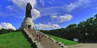 monumenti commemorativi© Nacho Pintos / CC BY 2.0
