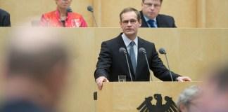 Ritirato l'appello del sindaco di Berlino a Donald Trump