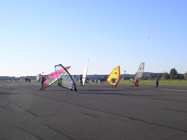 Windskating Tempelhofer Feld Parchi Berlino