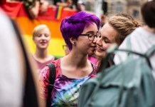 idahobit berlin 2019 pride kiss