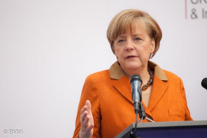 restate a casa Angela Merkel