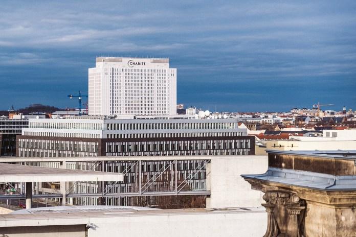 Berlino sospende AstraZeneca