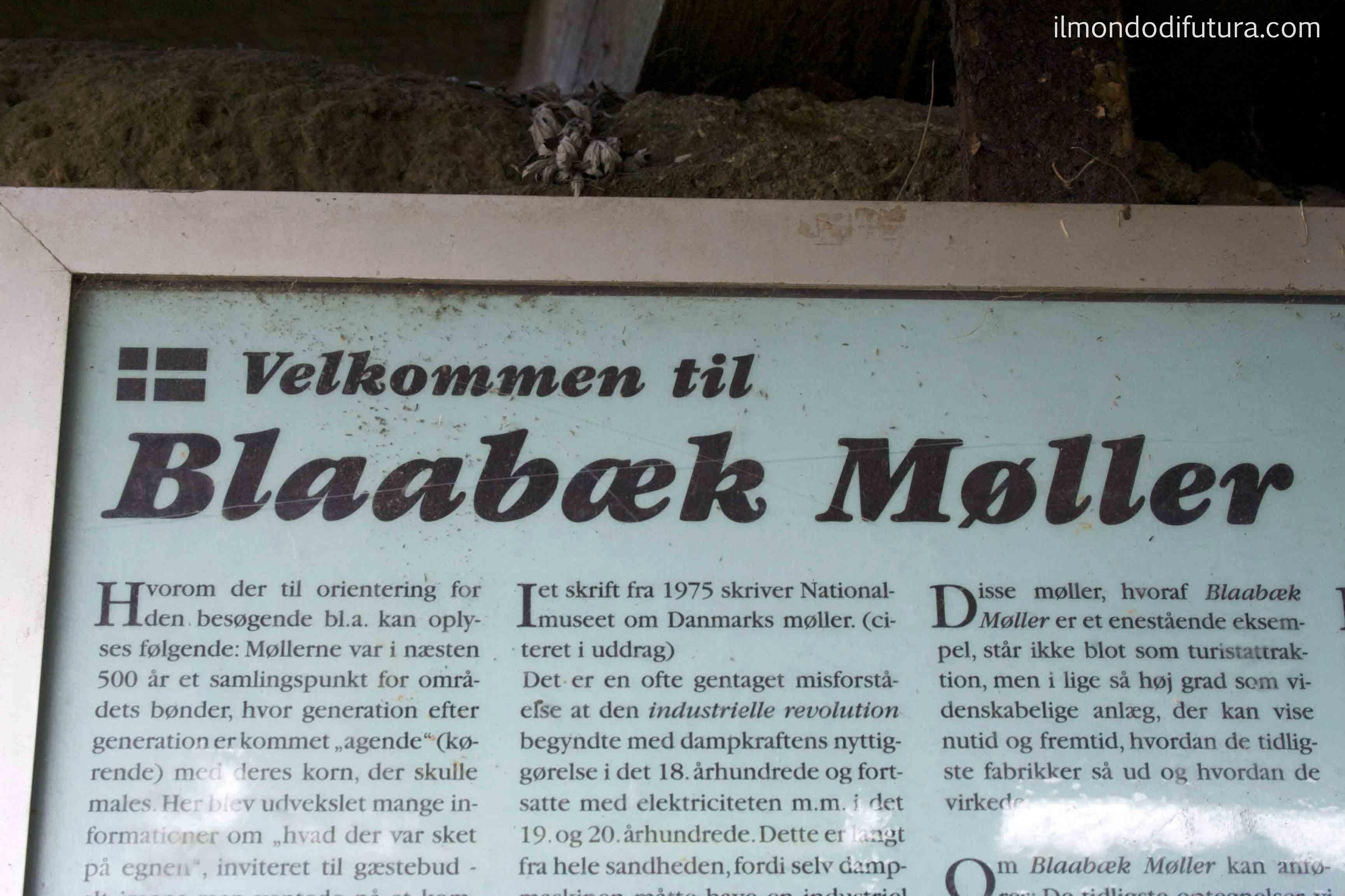La gioia in un lucchetto chiuso male di un antico mulino a vento in Danimarca…