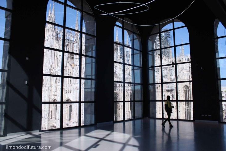 museo del novecento vetrata su duomo