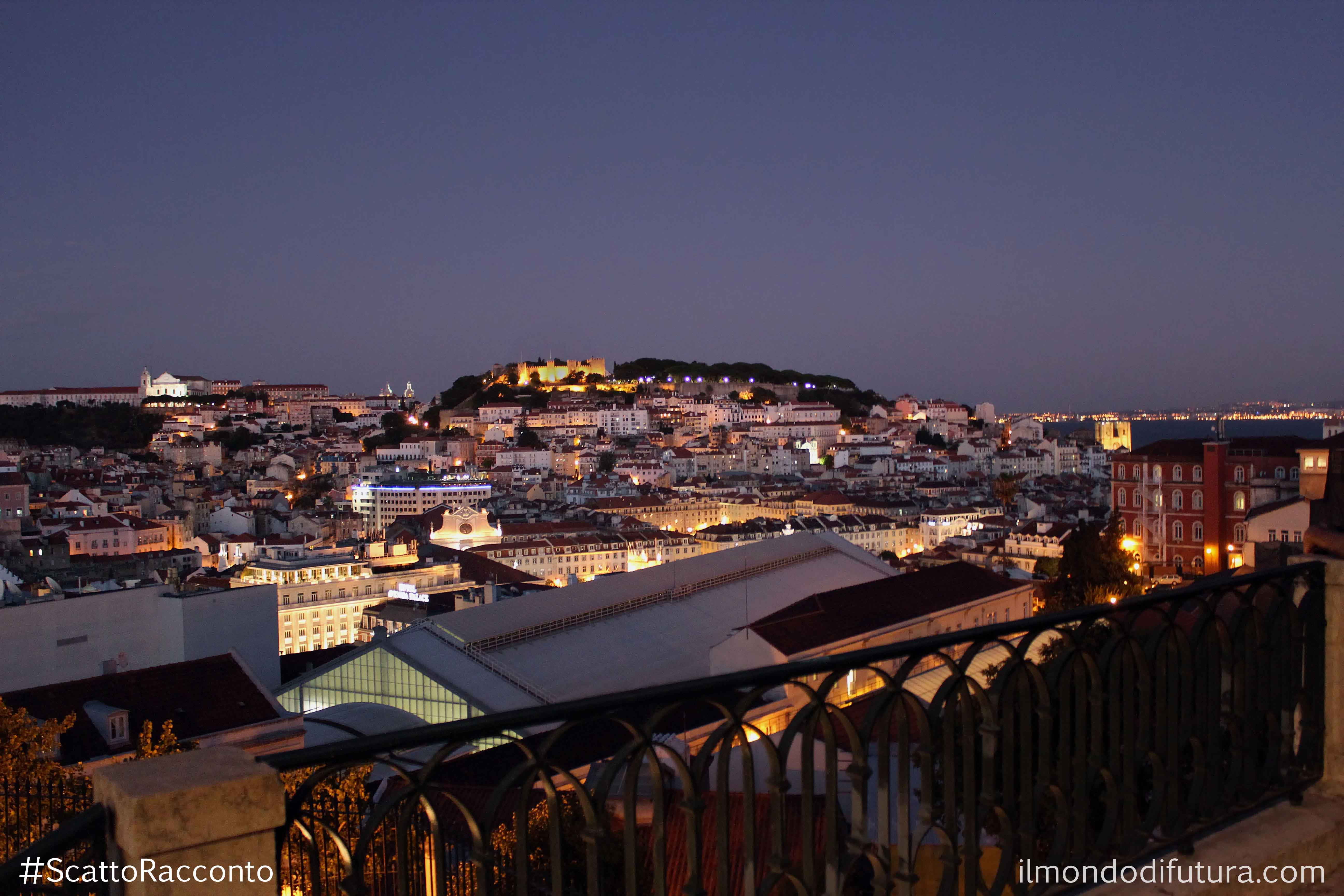 #ScattoRacconto : I Miradouros di Lisbona, il tramonto e l'abbraccio…