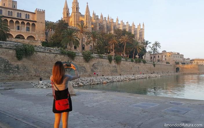 Palma de Maiorca: passeggiata nel centro storico tra tramonto e musica.