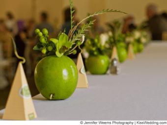 wedding-reception-decoration-ideas-apples