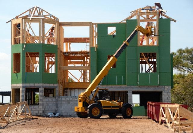 Perlukah Menggunakan Jasa Kontraktor dalam Membangun Rumah? - ilmuteknik.id
