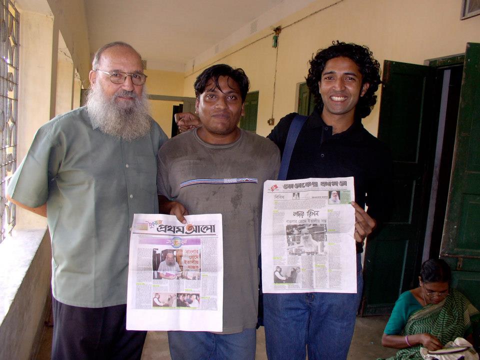 padre marino rigon con giornalisti