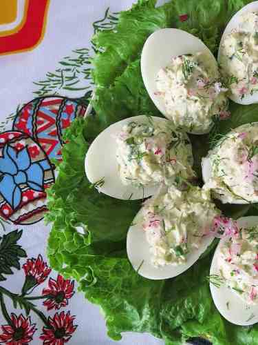 Stuffed eggs are perfect for Easter! by ilonaspassion.com