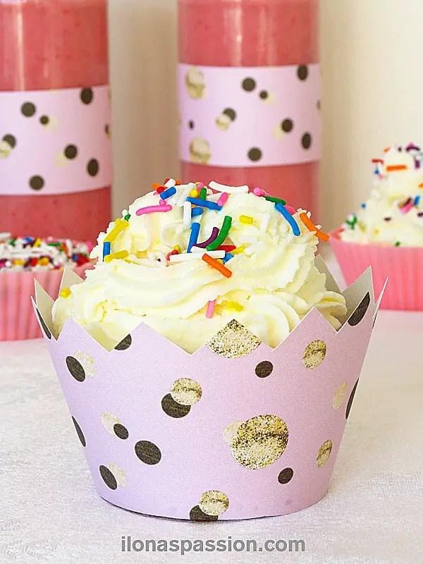 Easy Confetti Cupcakes by ilonaspassion.com