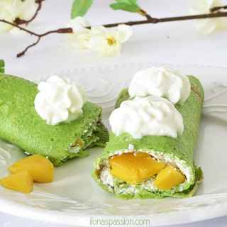 Crepes with Mango - Easy to make Crepes recipe is perfect for St. Patrick's. Totally delicious and kid-approved crepes made with secret ingredient, farmer's cheese and mango. Kid- Approved! by ilonaspassion.com I @ilonaspassion