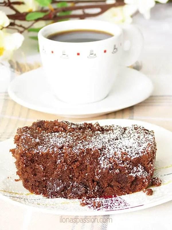 Coconut Flour Brownies by ilonaspassion.com