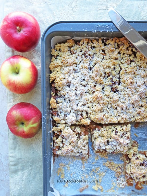 Apple bar desserts in a baking pan.