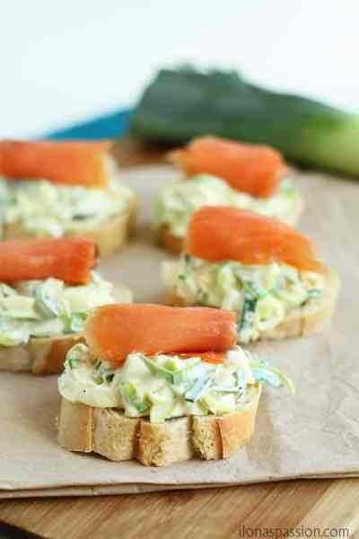 Fancy Leek Salad with Salmon on French Baguette. Impress your guests with this elegant leek salad appetizer! by ilonaspassion.com I @ilonaspassion