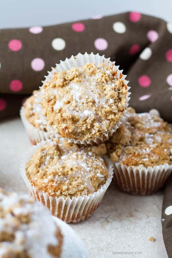 Moist coffee cake muffins made with greek yogurt, cinnamon and topped with glaze by ilonaspassion.com I @ilonaspassion