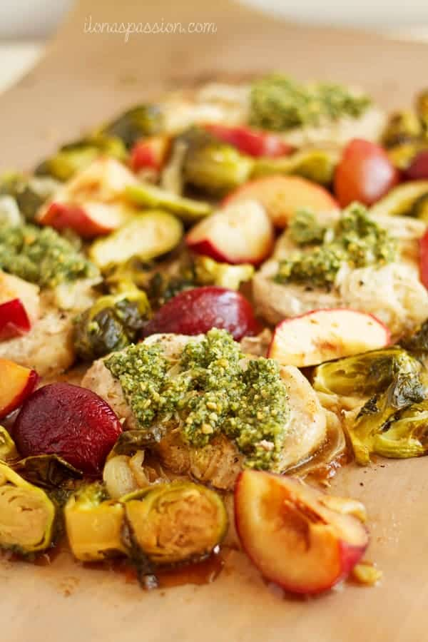 Baked Pork Chops with Apples & Plums - Marinated in lemon juice baked pork chops recipe with apples, plums and onions. Served with homemade pesto. by ilonaspassion.com I @ilonaspassion