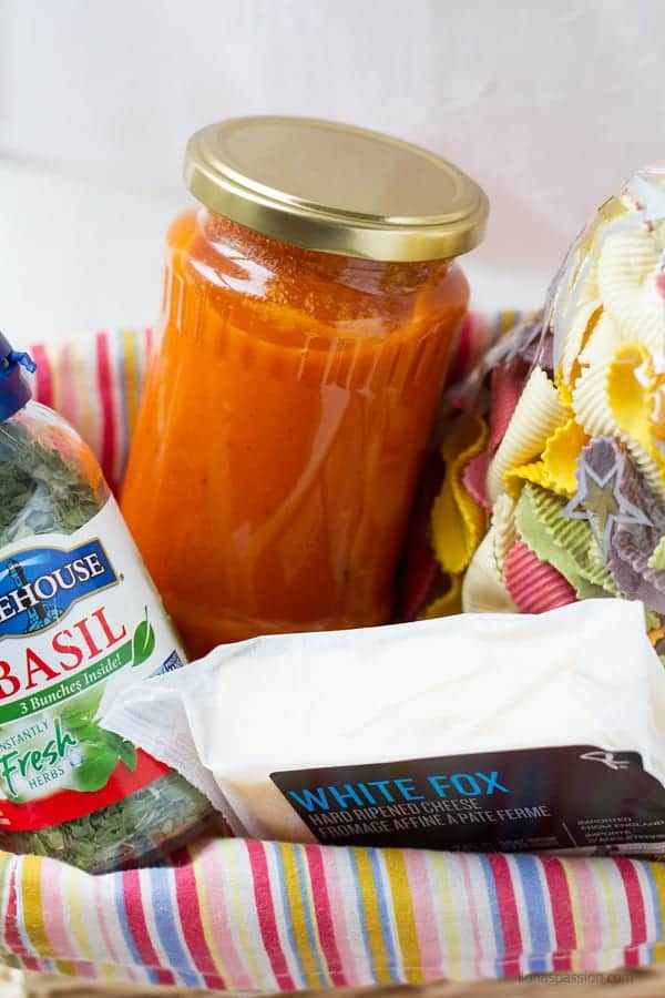 Very easy tomato sauce with only few ingredients will be great gift for holiday or birthday together with hard cheese, dried basil and pasta by ilonaspassion.com I @ilonaspassion