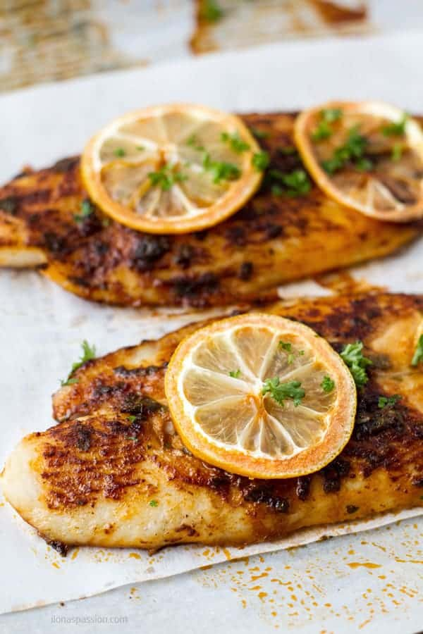Healthy oven baked fish basa marinated in butter, paprika and basil by ilonaspassion.com I @ilonaspassion