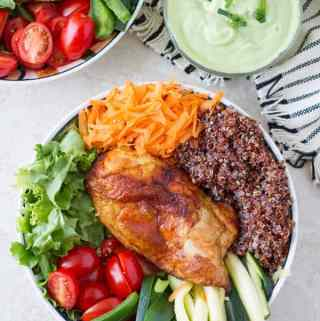 Buddha veggie bowl with baked chicken with creamy avocado dressing by ilonaspassion.com I @ilonaspassion