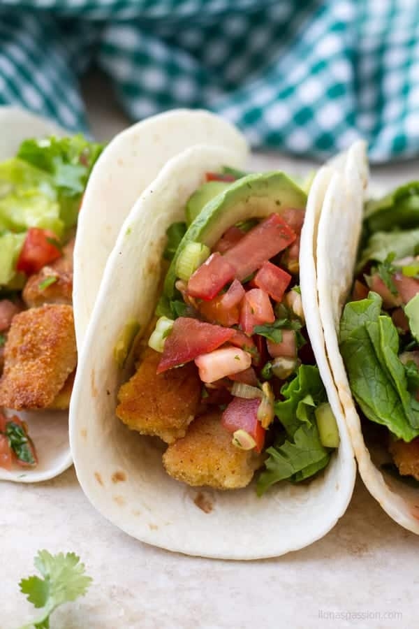 Fish tacos made with basa fillets and served with tomato salsa by ilonaspassion.com I @ilonaspassion