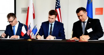 Podpisanie listu intencyjnego pomiędzy Siecią Badawczą Łukasiewicz a KGHM Polska Miedź S.A. | Signing a letter of intent between the Łukasiewicz Research Network - Institute of Aviation and KGHM Polska Miedź S.A.
