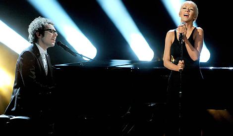 Cantando Say Something no American Music Awards 2013