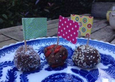 Blissballs - gezonde dadelsnacks | I love Detox
