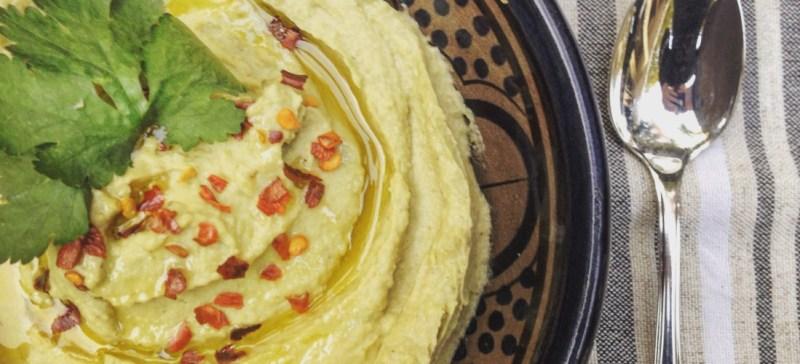 Detox recept voor een Romige avocado hummus! Combinatie guacamole en hummus. Pure verwennerij op brood, rijstwafel, als dipsaus of bij de barbecue!