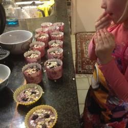 Detox muffin lunch recept: Suikervrije fruitige detox muffins met havermout. Makkelijk te maken, heerlijk als kindertraktatie en plantaardig!