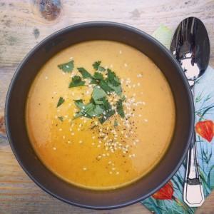 Thaise kokos gember wortelsoep. I Love Detox soep, om te smullen!