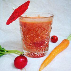 Detox ontbijt tip voor een groentesap? Dit detox recept voor rood ontbijtsap gebruikt maar 3 ingrediënten en is zo klaar. makkelijk, snel, voedzaam en ideaal bij afvallen, dieet of detox kuur. Voor informatie mail detoxcoach Nico van Rossum