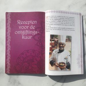 Ayurveda Balans en Detox. Boek recensie over dit kleine handzame boekje. Veel informatie over je dosha, recepten en voedingsmiddelen in een ontgiftingskuur..
