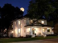 TexasWhitehouse-moon-large-450px