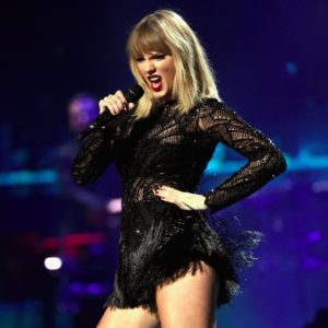 Taylor-Swift-DirecTV-Now-Super-Bowl-Concert-2017-Pictures-300×300
