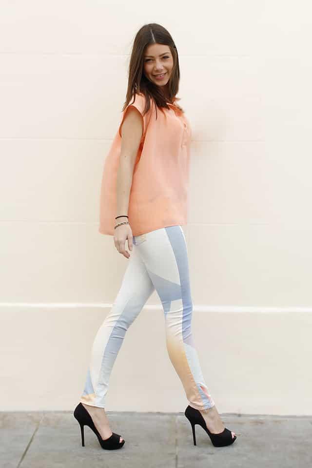 Rachel wearing Rag & Bone Gotez Legging