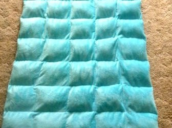 Free Tutorial on how to make a DIY Weighted Blanket – Can help calm people with Autism!