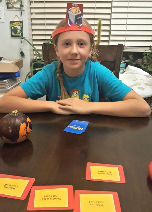 bring-home-the-funny-with-hedbanz-electronic