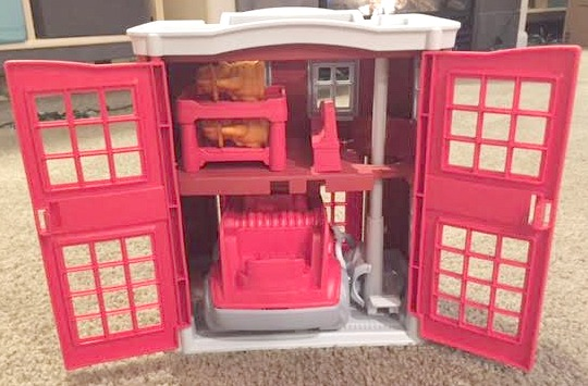 fire-station-playset-inside