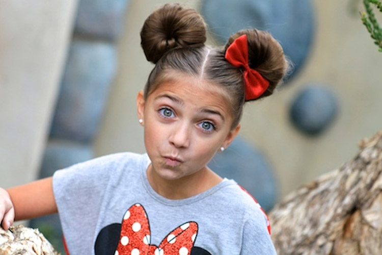 Halloween Hairstyle Minnie Mouse Ears