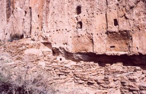 Bandelier NM cliff dwellings
