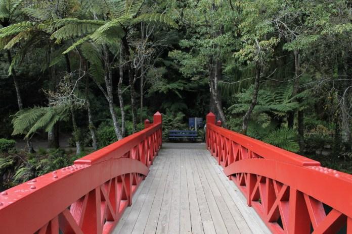 red-poets-bridge-at-pukekura-park-taranaki