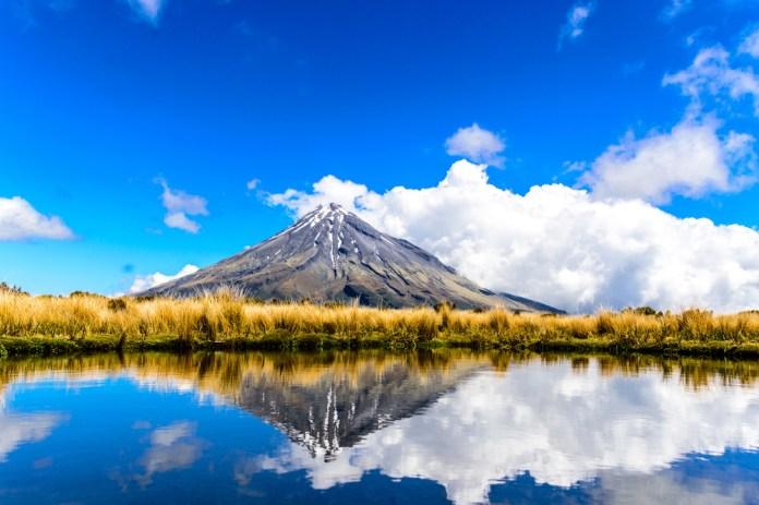 reflection-of-mount-taranaki