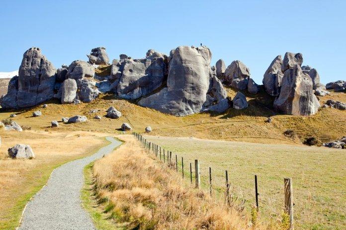 stone-mountain-castle-hill