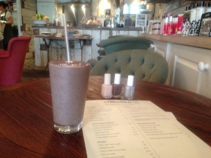 THE 'COCOA BERRY DREAM SMOOTHIE'