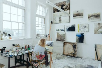 KERRY HARDING AT WORK IN HER STUDIO
