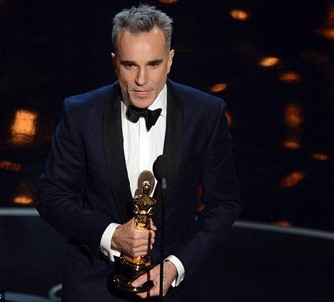 Daniel Day Lewis Third Time Oscars Award