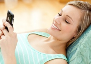 How to use Romantic Text Messages to Turn Woman On