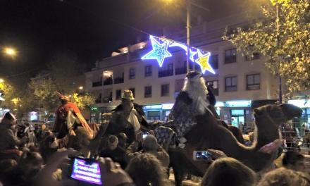 Miles de personas reciben a los Reyes Magos en Santa Úrsula