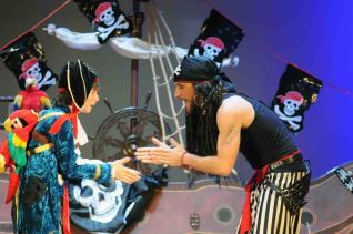 Espectáculo Teatral «Piratas al Caribe» en el Espacio Cultural de La Casona